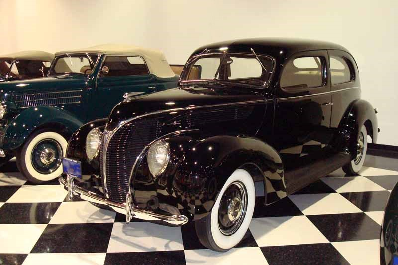 1938 ford deluxe sedan for 1938 ford 4 door sedan