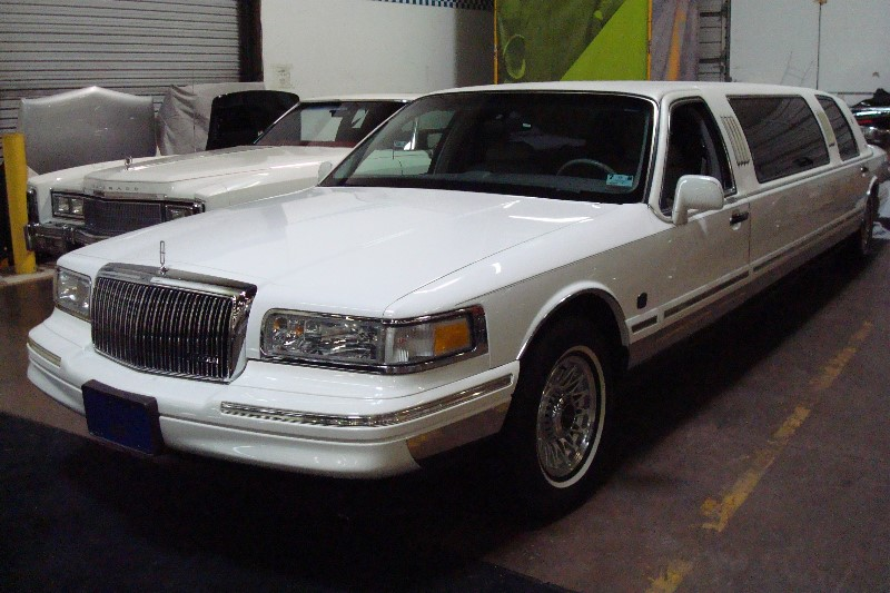 1995 Lincoln Limo American Custom Coachworks